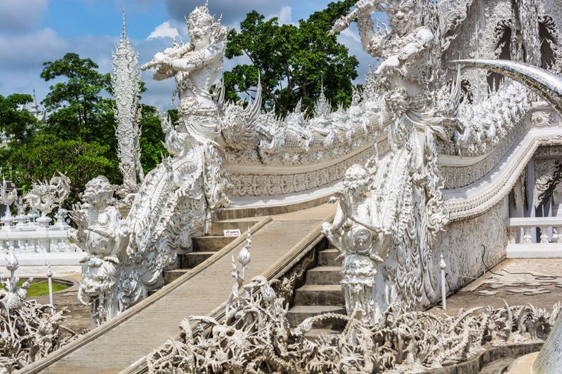 white_temple_chiang_rai_thailand-959104.jpg!d