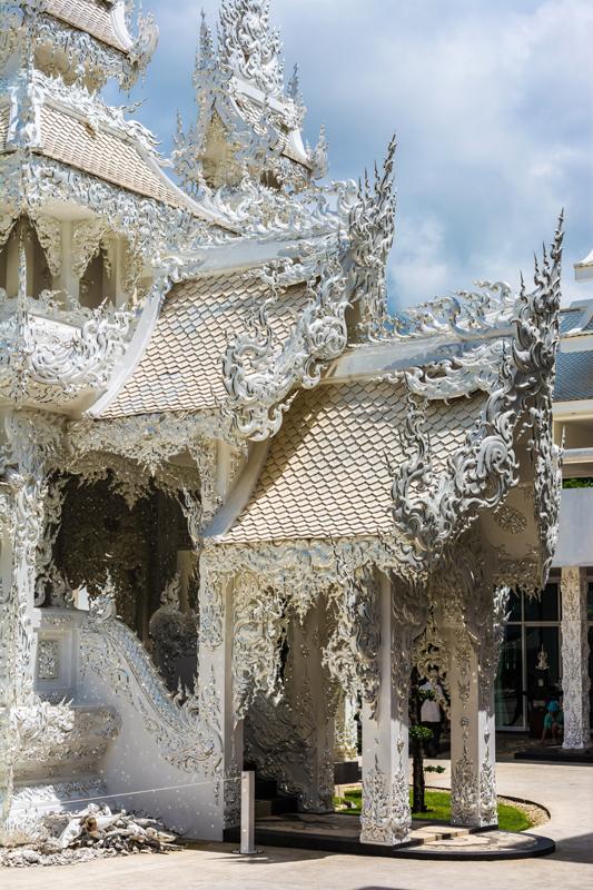 white_temple_chiang_rai_thailand_asia-959073.jpg!d