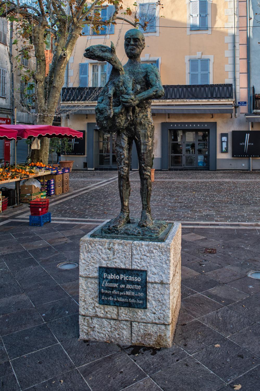 Villauris - L'homme au Mouton, statua bronzea