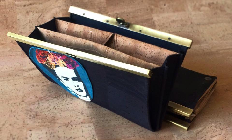 LeT clutch triplo scomparto, porta carte di credito e doppio porta monete, in sughero portoghese.
